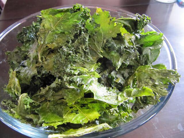 Kale chips-diétabarát ropogtatnivaló