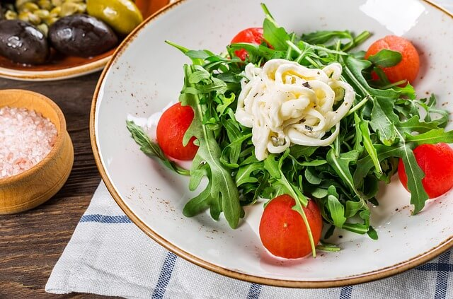 Mentes étterem-saláta