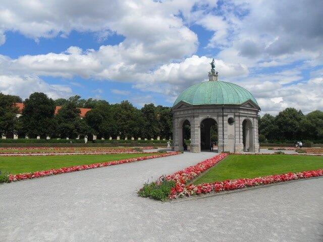 Hofgarten-München-Dianatempel