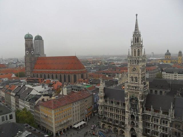München fentről a Peterskirche tornyából