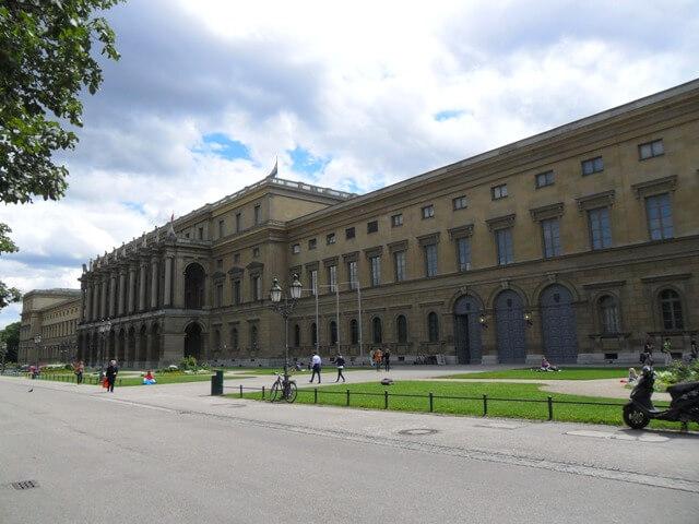 München látnivaló-Residenz-Királyi Palota