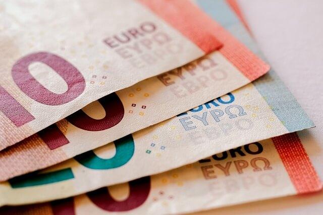 Euroban megadott árak a Booking.com oldalon