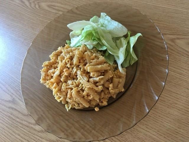 Diétás tojásos tészta salátával