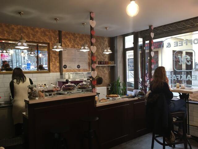 Diétabarát kávézó Budapest-vendégtér
