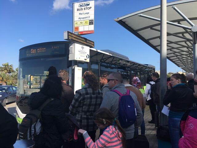 Málta repülőtér busz