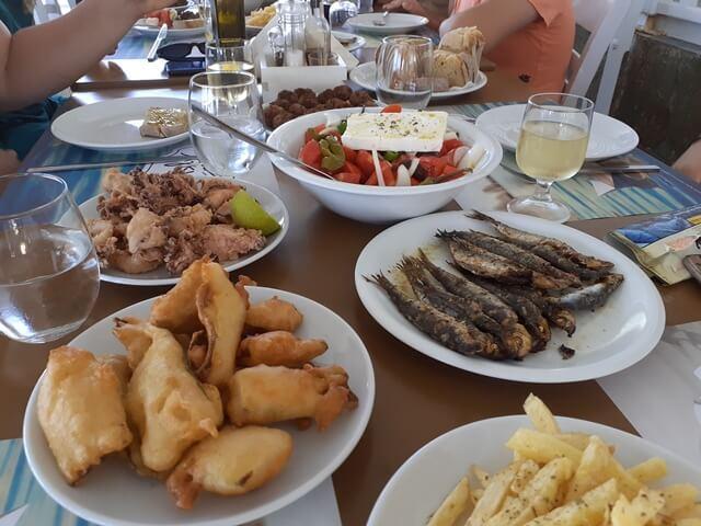 Görög ebéd a hajókirándulás alatt